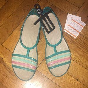 Women Croc strappy sandal size 10